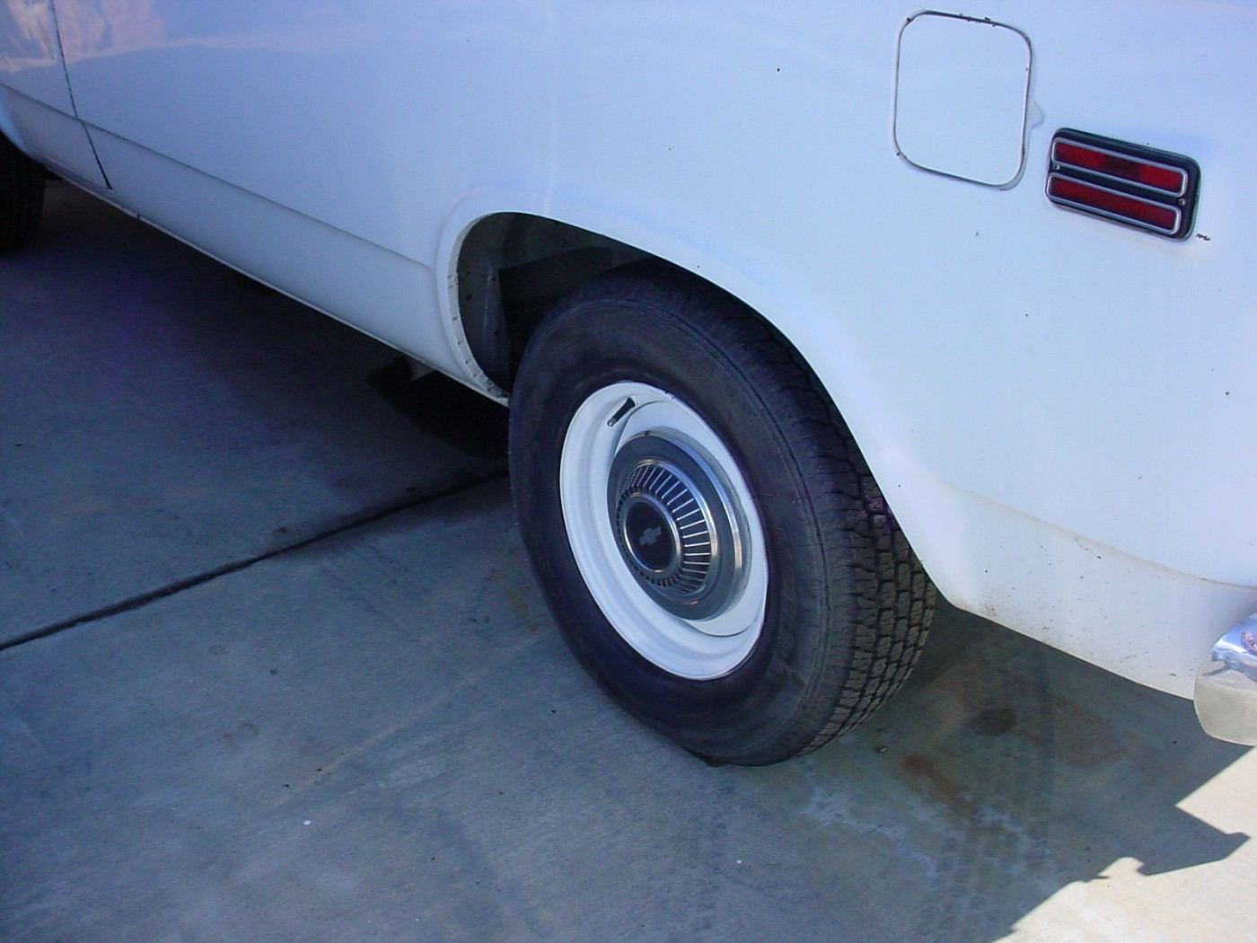 Painted wheels white.Removed trim ring.