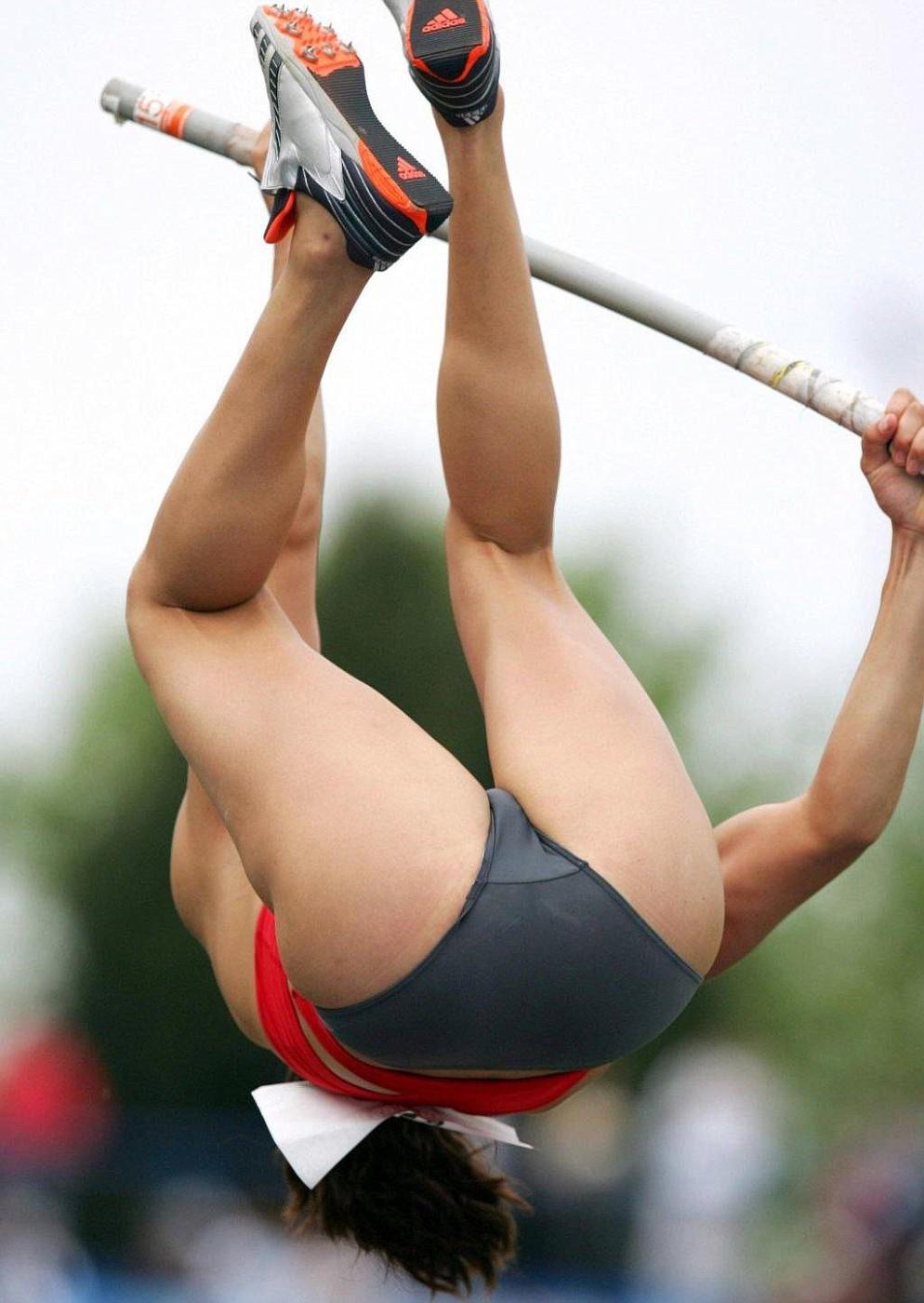 golie-devushki-legkoy-atletiki