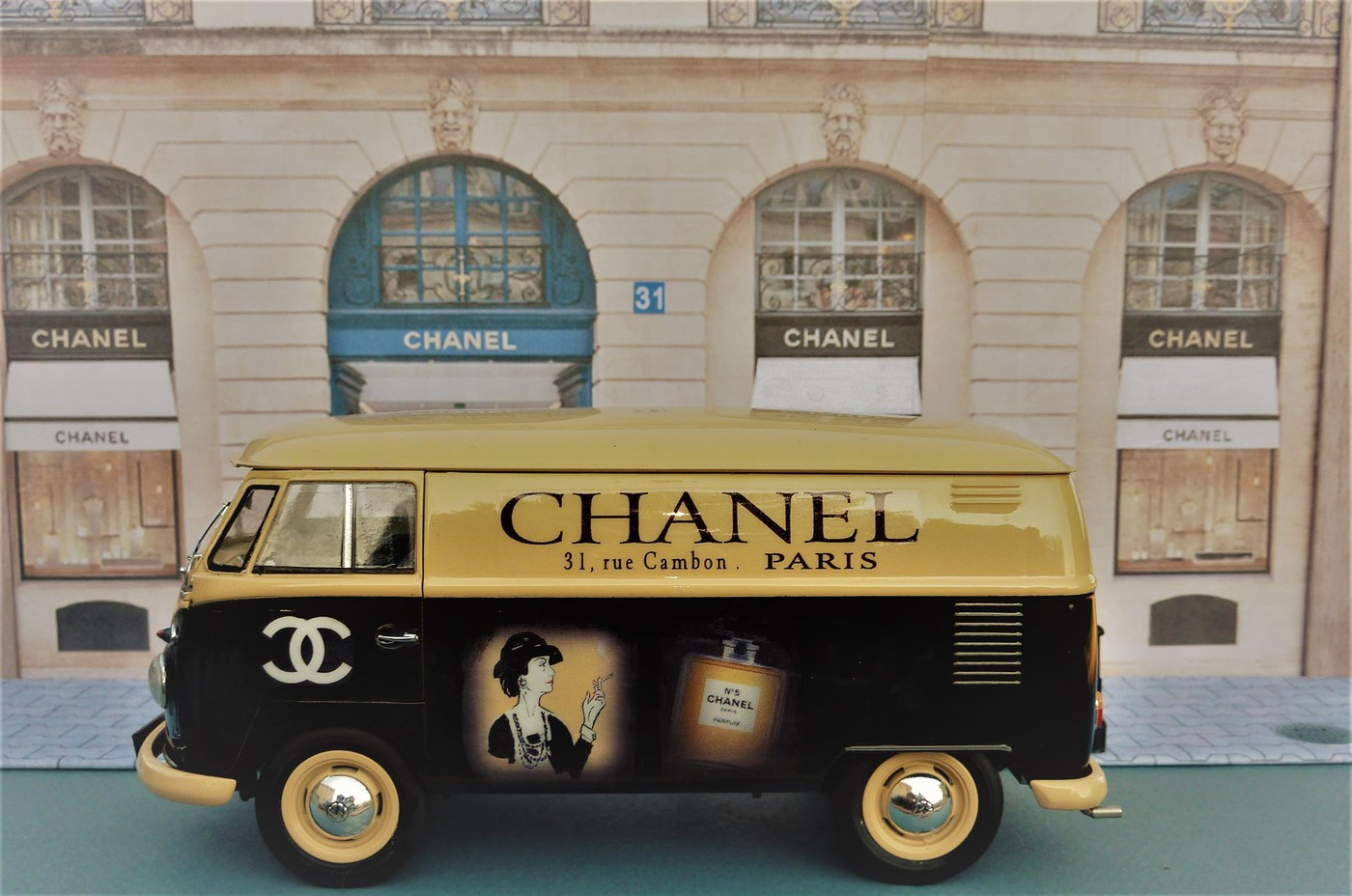 Combi  wv publicitaire Chanel terminé  Photo68-vi