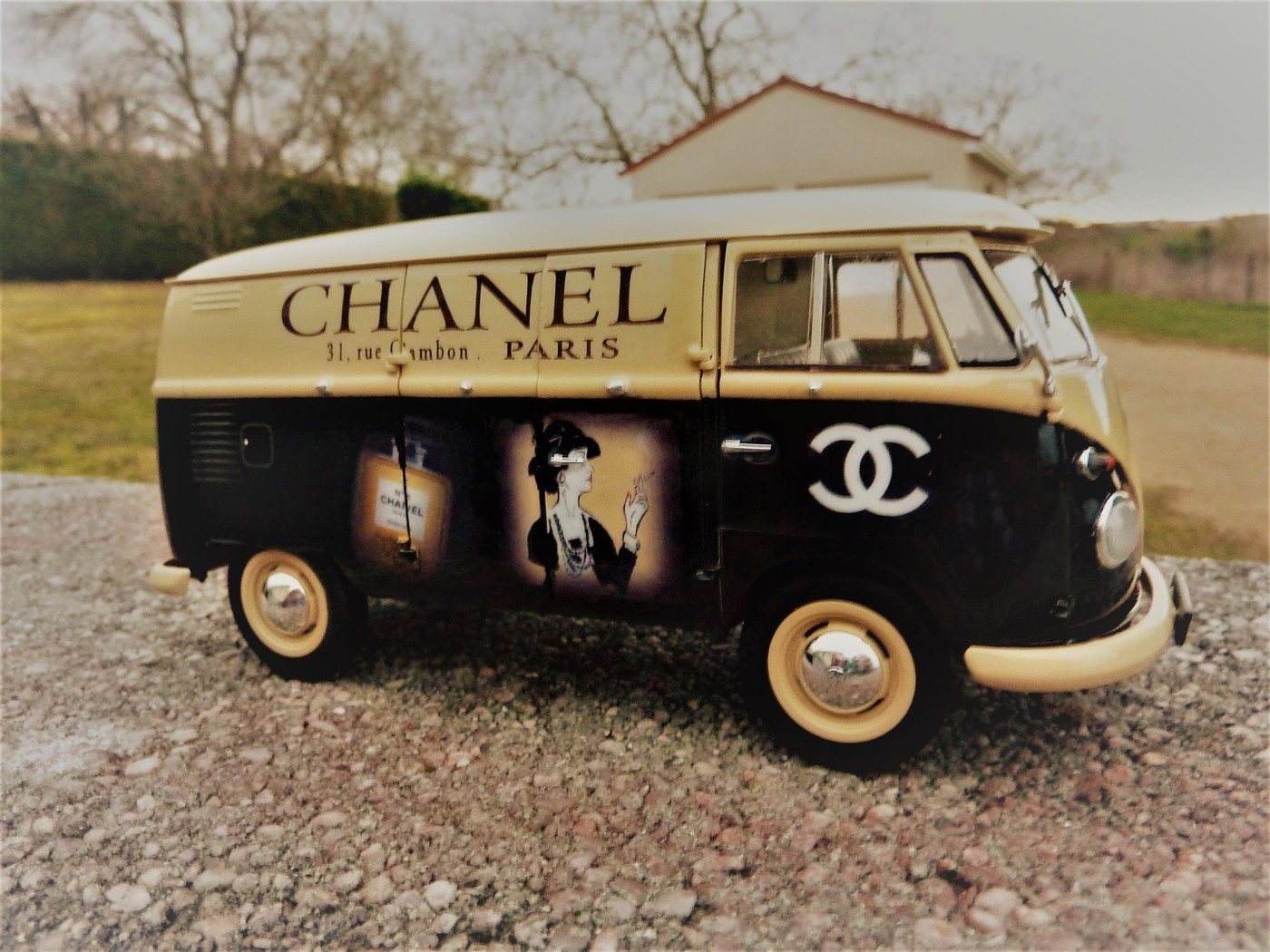 Combi  wv publicitaire Chanel terminé  Photo5-vi