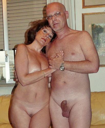 деревня пожилаяпара занимается сексом