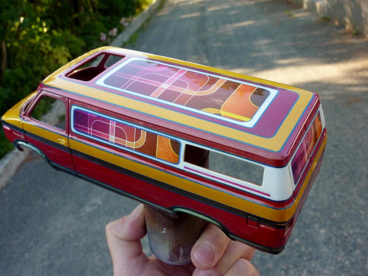 Van Chevy 75 (Vantasy) terminé - Page 4 Photo4-vi