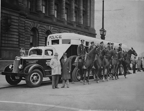 OH - Cleveland Police 1940s Mounted Unit