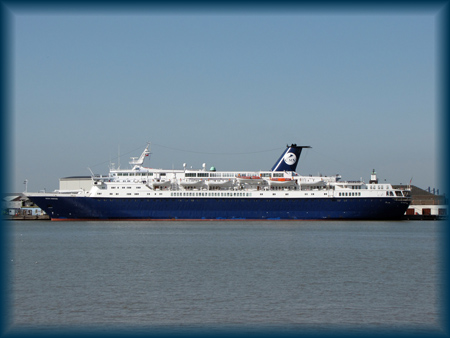 Ocean Countess at Tilbury