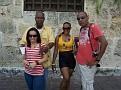 Natifs souhaitant la bienvenue  aux Haitiens.