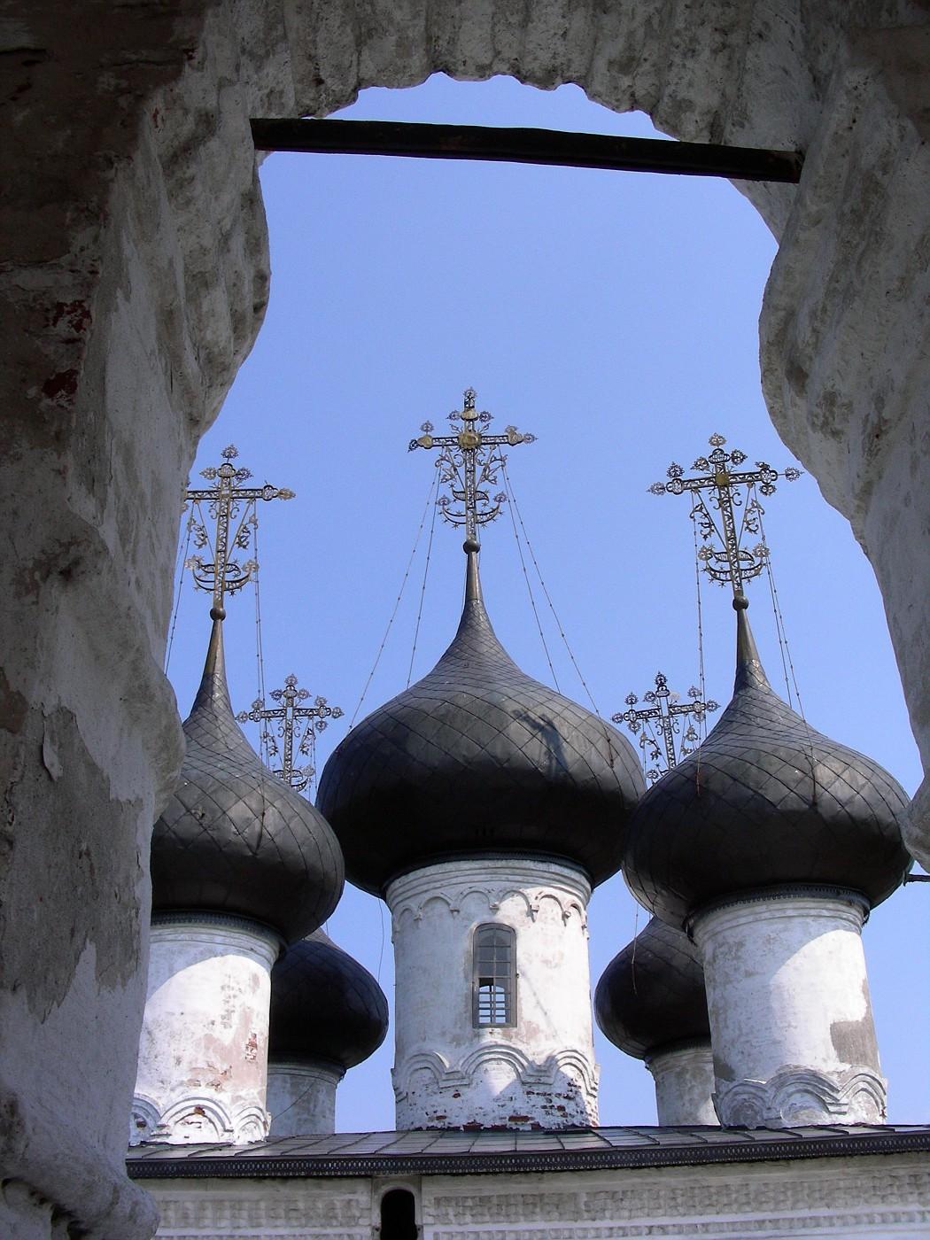 Купола церкви Всемилостивого Спаса