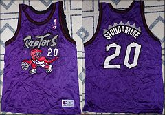 1996-97 Damon Stoudamire