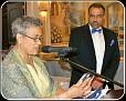 ♥♥ Le Conseil d'Administration des Amis de Montfort honore le Docteur Mario Nelson. ♥♥ La présidente de l'association Madame Kathleen Collins.