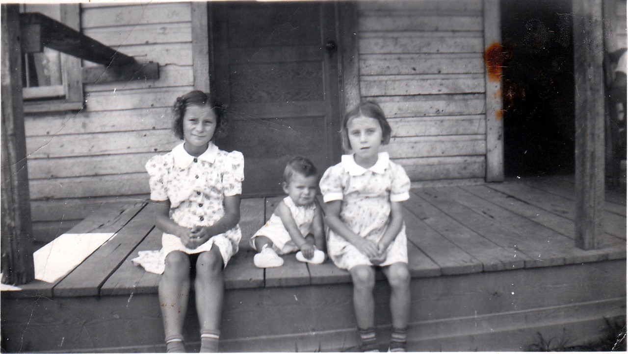 Betty Jean Anderson, Christine Anderson, and Bobby AndersonParents: Harve & Cleo (KIRBY) Anderson