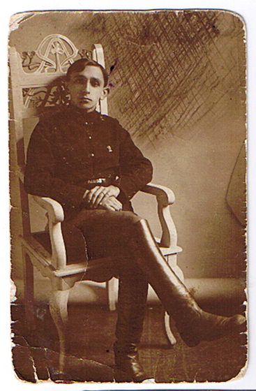 Дед (отец матери) Григорий Ефимович Гиллерсон в молодости.