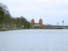 Kanaleinfahrt zur alten Weser-Schachtschleuse