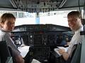 (27.06.07) Allan og Sandy klárir í flug frá Osló til Aberdeen