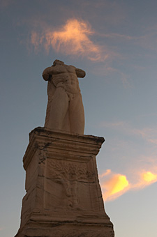 020-Statuja.jpg