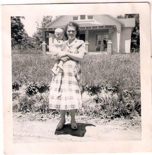 26-Mamaw Aree and Mom